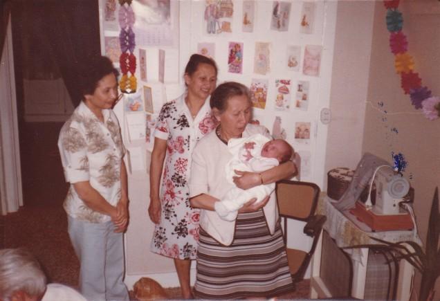 Tante Sonja,mama,Oma Jo en patricia